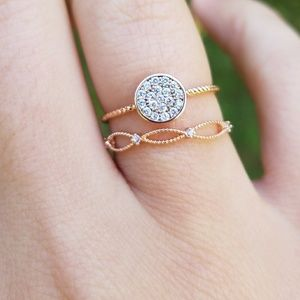HP🌸Delicate Rose Gold Disc Circle Pave Ring